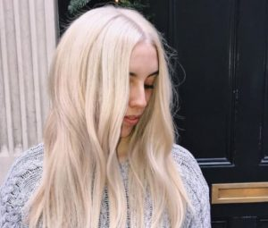 Platinum blonde hair dye look